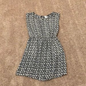 Daisy black and white dress from Forever 21